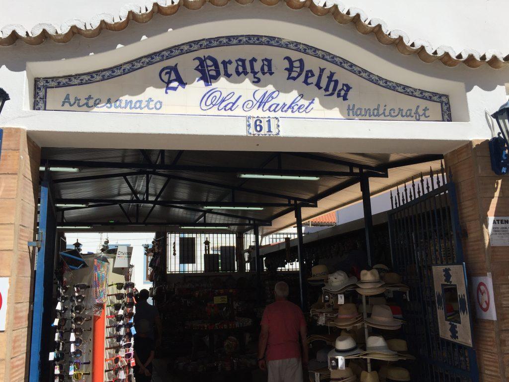 Family Trip Carvoeiro, pottery shop, old market
