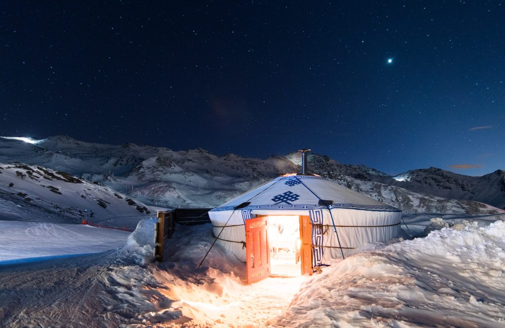 Val Thorens winter activities- dinner in a yurt, Winter Activity Holiday Ideas, Pierre et Vacances