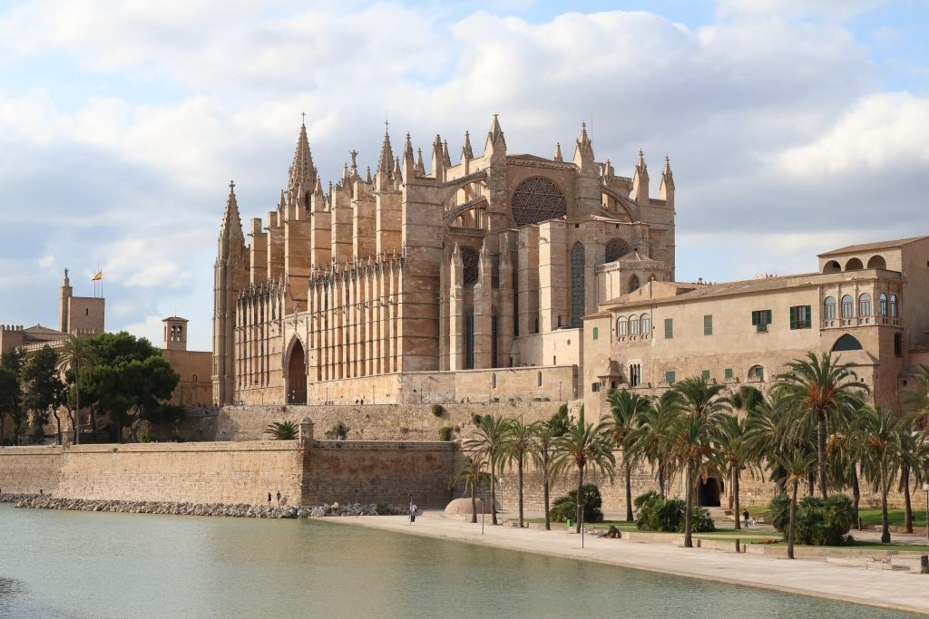 best things to do with kids in Majorca Palma cathedral