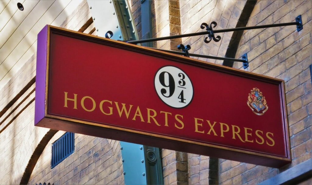 Universal Studios Orlando Tips, Hogwarts Express sign