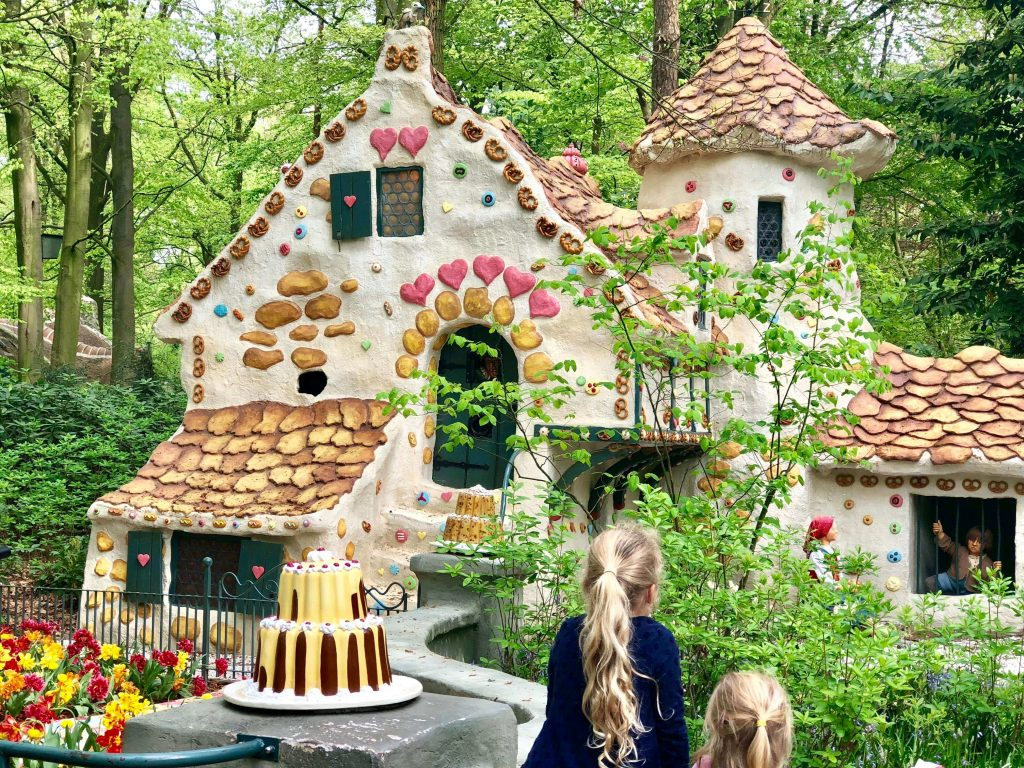 Hansel and Gretel - gingerbread house. Efteling Theme Park Review (Netherlands)| One of the BEST Places To Visit With Kids in Europe If you enjoy fairytales, the magic of childhood, Hans Christian Andersen & the brothers Grimm, you and your kids will LOVE the Efteling Theme Park in the Netherlands.