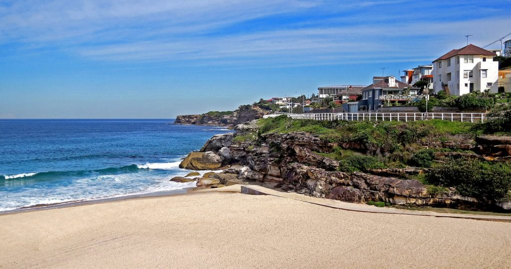 Things To Do In Sydney With Kids, Coogee Beach, kid friendly beaches sydney
