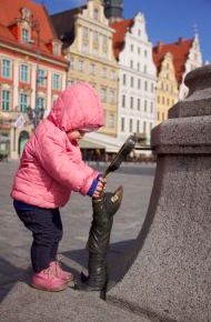 Things to Do in Wroclaw With Kids, Dwarf statues
