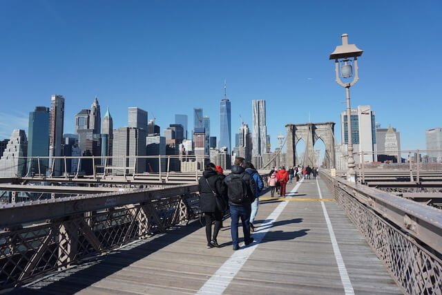 Visiting New York with Kids, walking over Brooklyn bridge