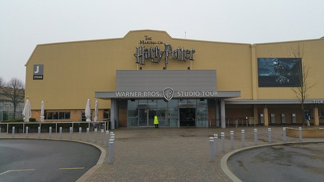 Harry Potter: Warner Brothers Studio Tour - the entrance