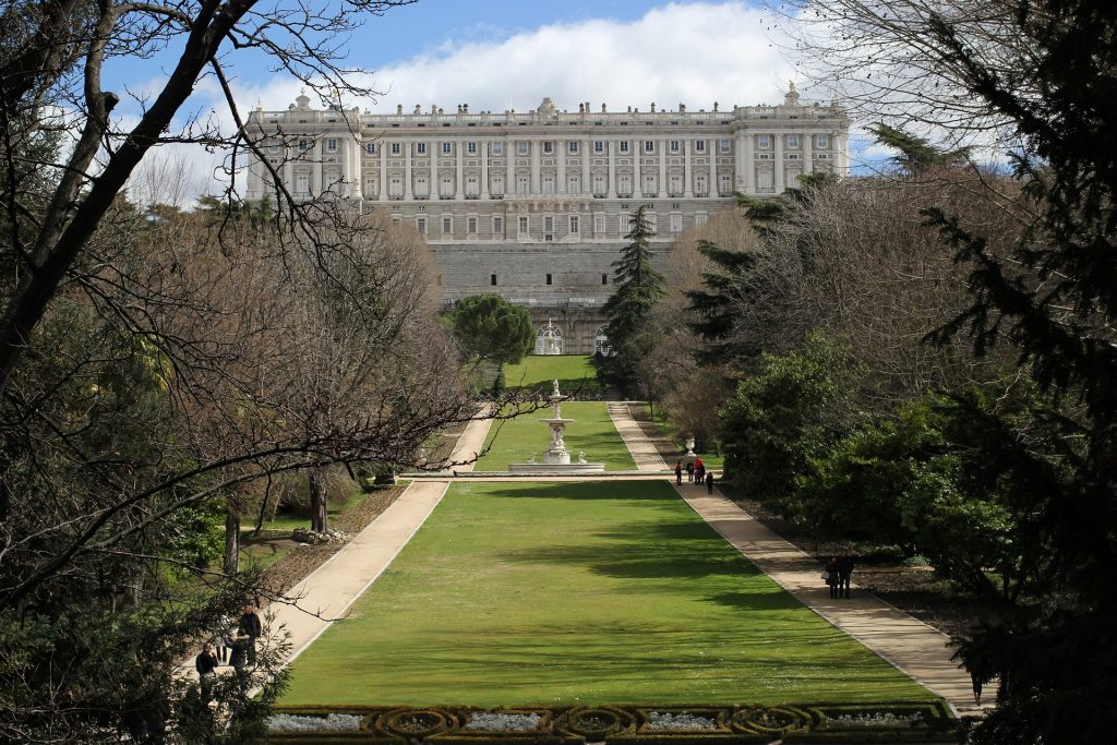 Royal Palace of Madrid, things to in Madrid with kids.