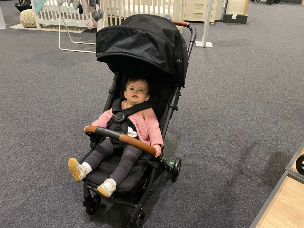 silver cross stroller, one of the best strollers to travel with on an airplane.