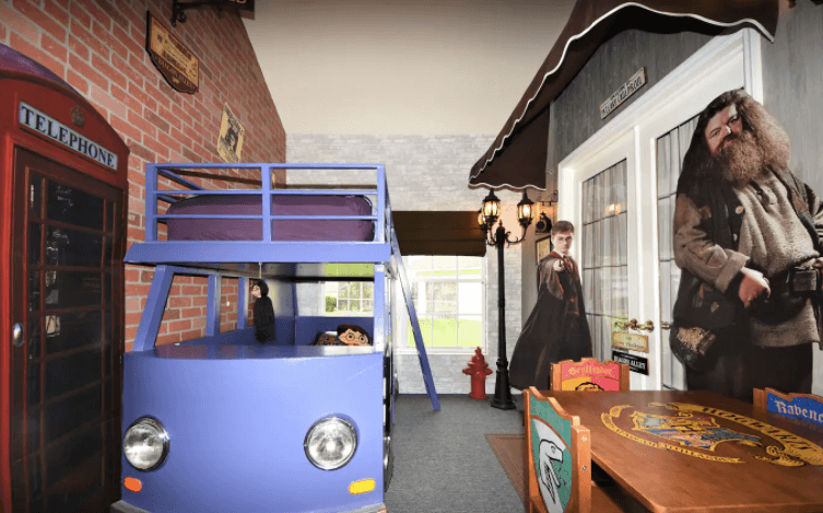 Florida villa with Harry Potter Knight Bus room Image courtesy of Airbnb