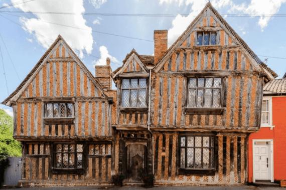 De Vere House (Godrics's Hollow in Harry Potter) image courtesy of De Vere House, Harry Potter Themed hotels in England