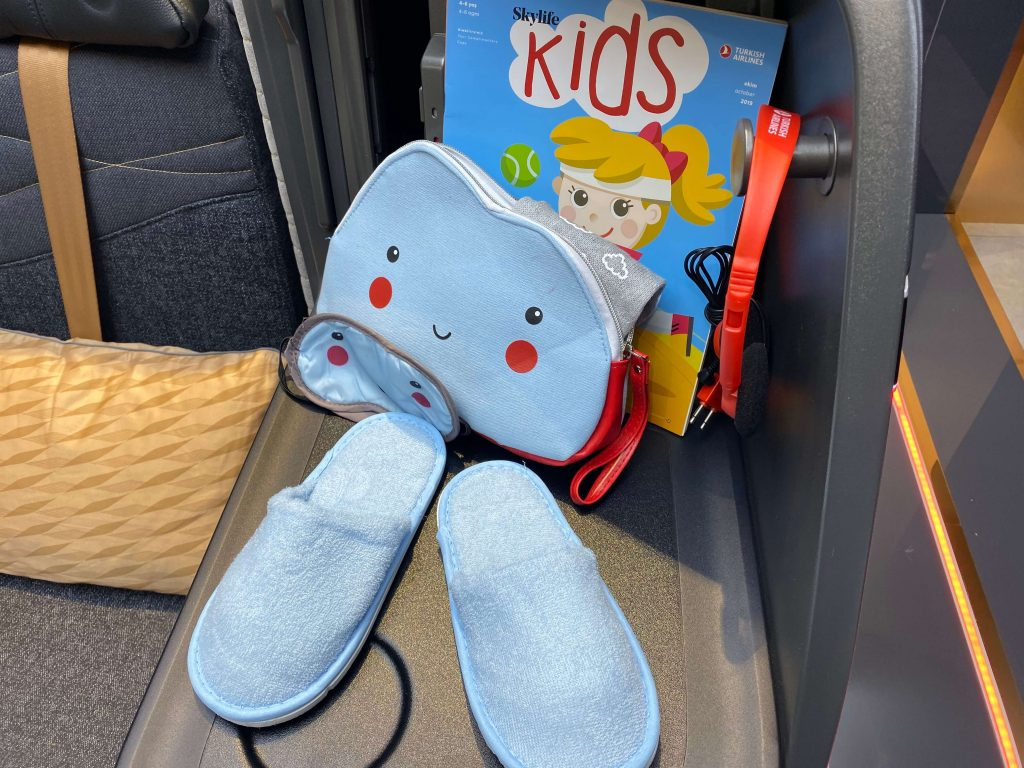 Turkish Airlines kids pack